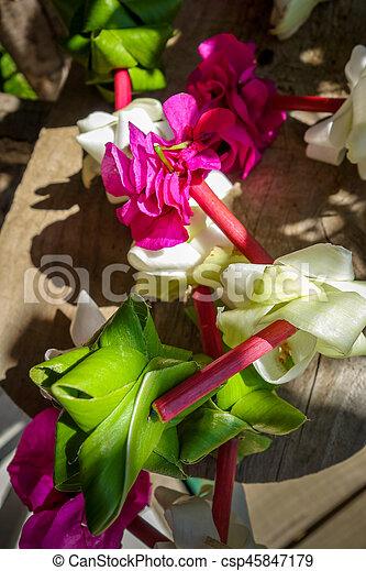Polynesian flower necklace - csp45847179