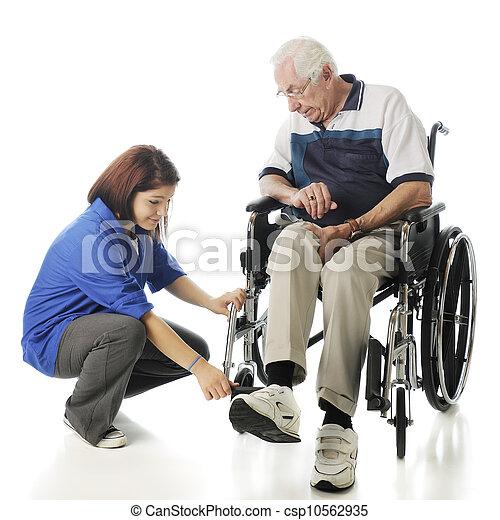 pomagając, starszy - csp10562935