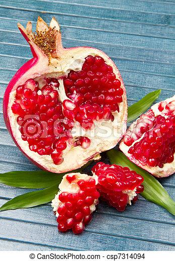 pomegranate - csp7314094