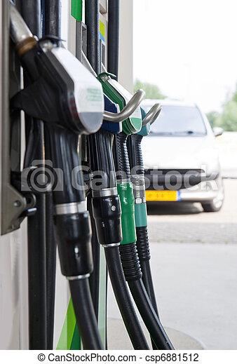 pompe, essence - csp6881512