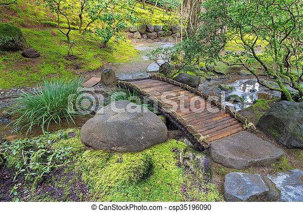 pont pied bambou sur ruisseau pont ruisseau sur photographies de stock rechercher. Black Bedroom Furniture Sets. Home Design Ideas