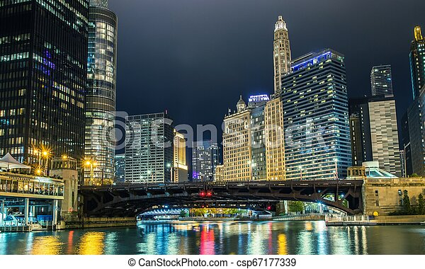 pont, rue état, chicago - csp67177339