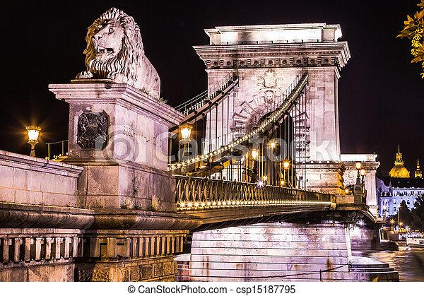 ponte, budapest, lanchid)., (hungarian:, catena, città, scenario, strada, szechenyi, notte, ungheria, urbano - csp15187795