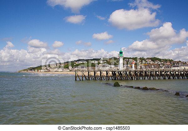 Ponte casa francia trouville luce spiaggia normandia for Piani di casa sulla spiaggia contemporanea