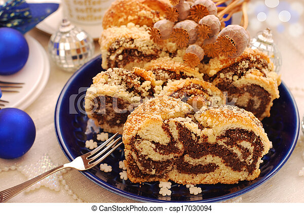 poppy cake for christmas - csp17030094