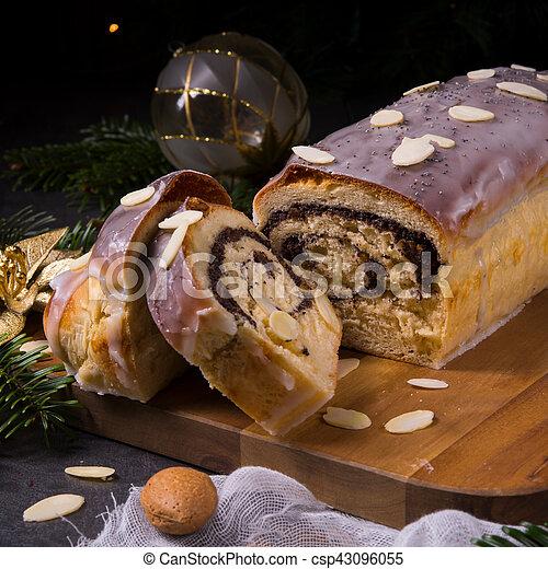 poppy cake - csp43096055