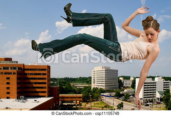 Mujer cayendo por el cielo - csp11105748
