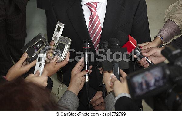 porada, mikrofony, novinářství, business potkat - csp4772799
