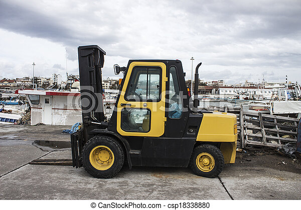 port, élévateur, jaune - csp18338880