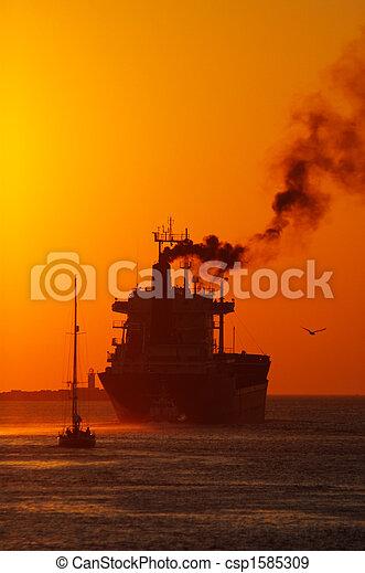 port, coucher soleil - csp1585309