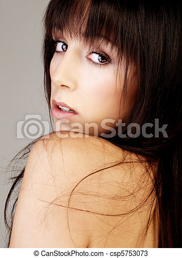 Portait of an atractive brunette - csp5753073