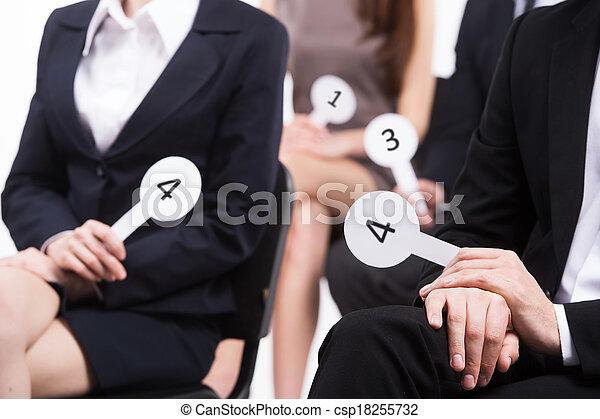 porter, groupe, gens, hommes, procès, noir, nombres, tenue, voting., femmes - csp18255732