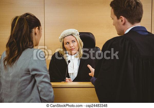porter, perruque, avocats, écoute, juge, robe - csp24483348