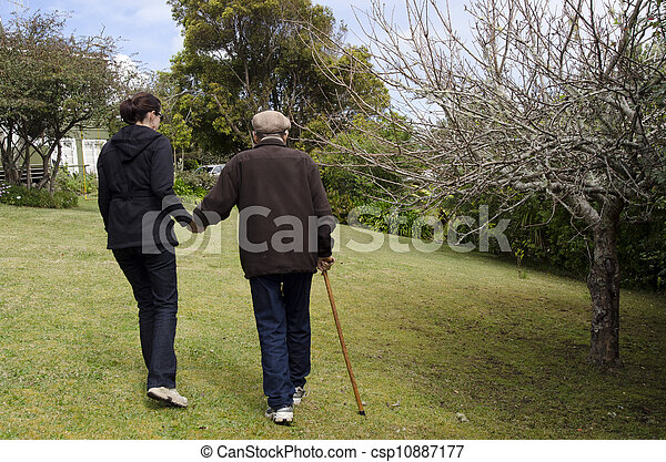 portion, aider, gens âgés - csp10887177