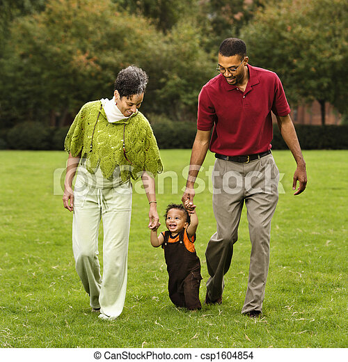 portion, enfantqui commence à marcher, promenade - csp1604854