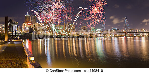 Portland Oregon, USA Fireworks. - csp4498410