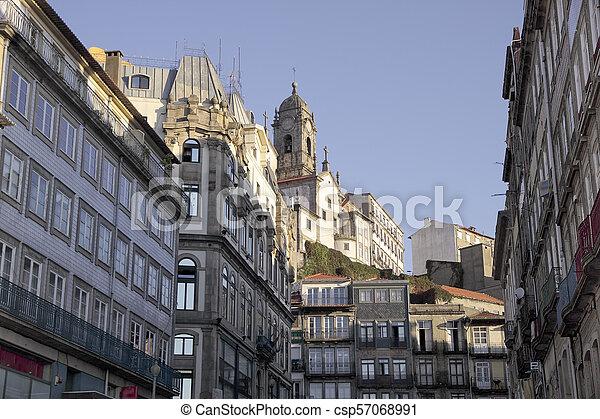 porto, vieille architecture - csp57068991
