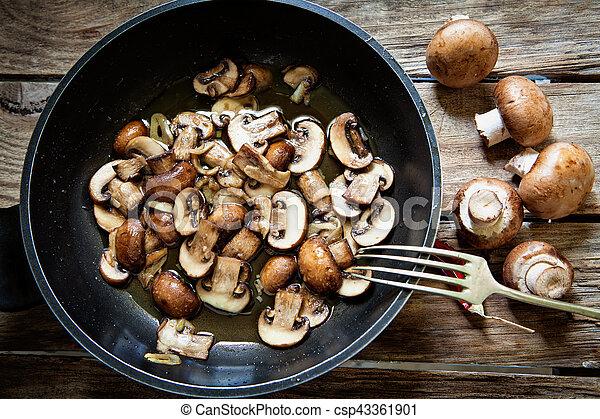 Portobello mushroom fried - csp43361901