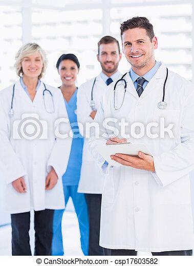 porträt, sicher, glücklich, gruppe, doktoren - csp17603582