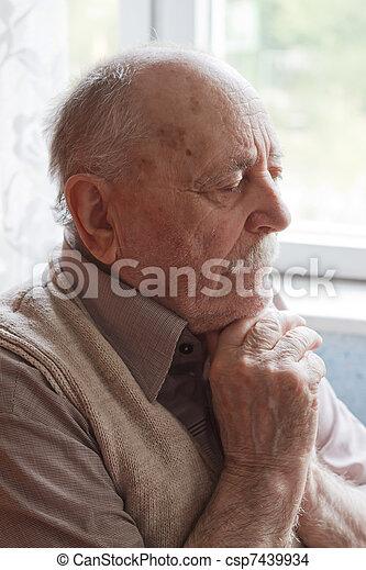 portré, öregember - csp7439934