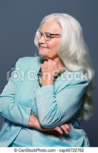 portré, modern, nagyanyó - csp46722762