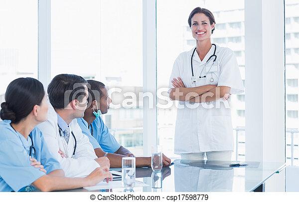portrait, équipe, femme, elle, docteur - csp17598779