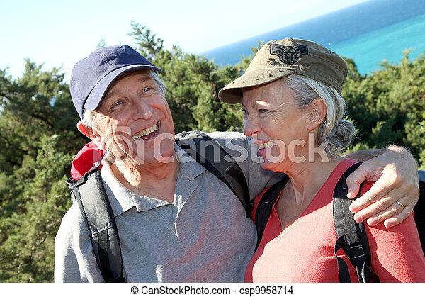 portrait, couple, personne agee, randonnée, jour - csp9958714