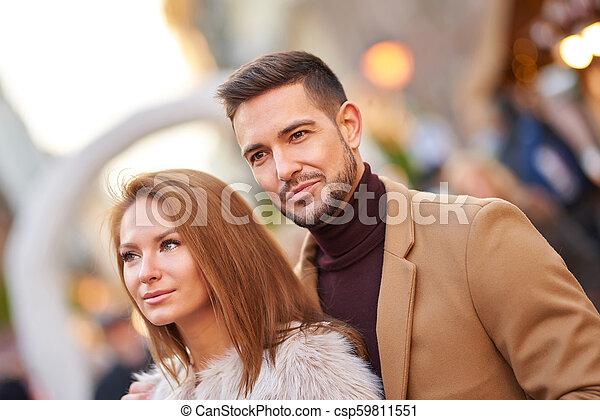 portrait, couple, ville - csp59811551
