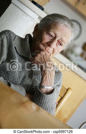 portrait, femme aînée, indoors. - csp5997126