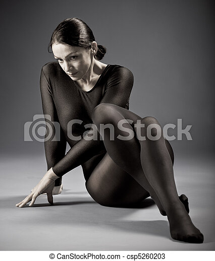 portrait of a sporting woman - csp5260203