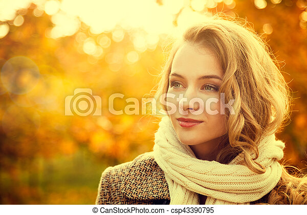 Portrait of Young Fashion Woman in Autumn - csp43390795
