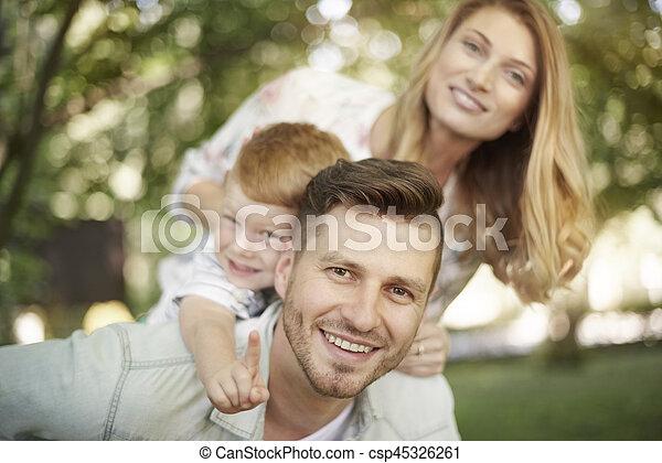 portrait, parc, famille, heureux - csp45326261