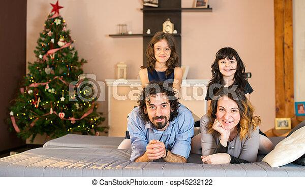 portrait, sourire, noël, temps famille - csp45232122