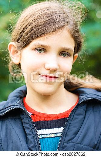 Portrait teen girl outdoor - csp2027862