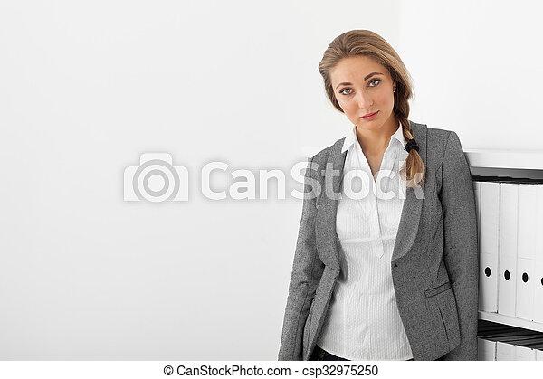 portret, kobieta handlowa - csp32975250