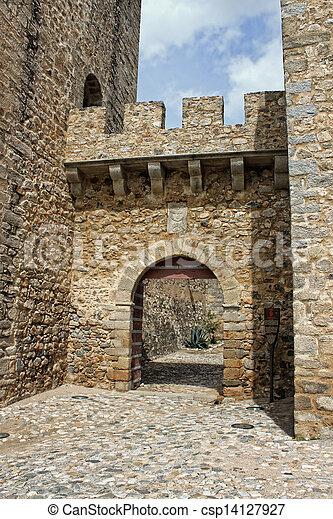 Puerta Castle en Elvas, Alantejo, Portugal - csp14127927