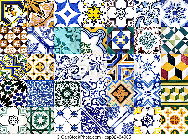 Azulejos glaseados portugueses - csp32434965