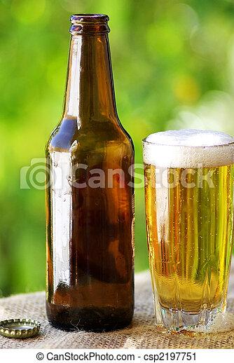 Cerveza fría portuguesa. - csp2197751