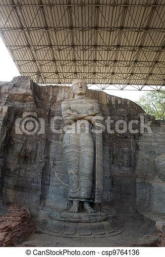 Antigua imagen de Buda, gal vihara, polonnaruwa, sri lanka - csp9764136