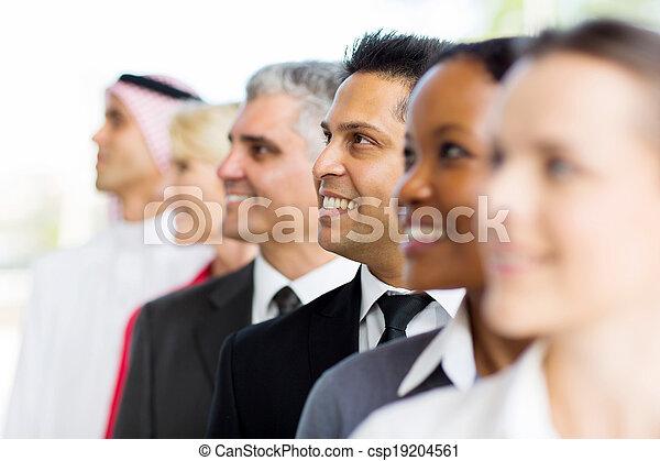posición, hombre de negocios, indio, fila - csp19204561