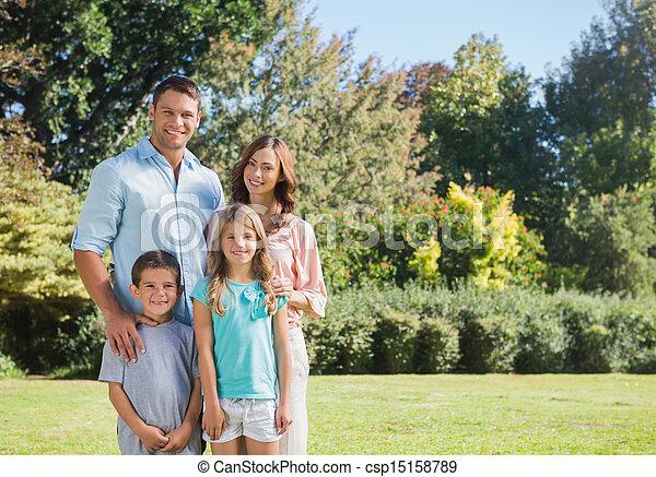 posición, parque, familia  - csp15158789
