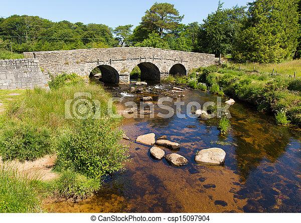 El puente del puente de Postbridge - csp15097904