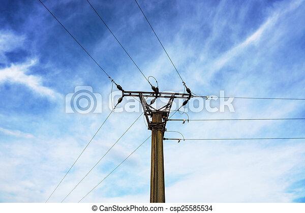 Un viejo poste eléctrico - csp25585534
