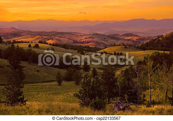 pourpre, montagne, coucher soleil - csp22133567