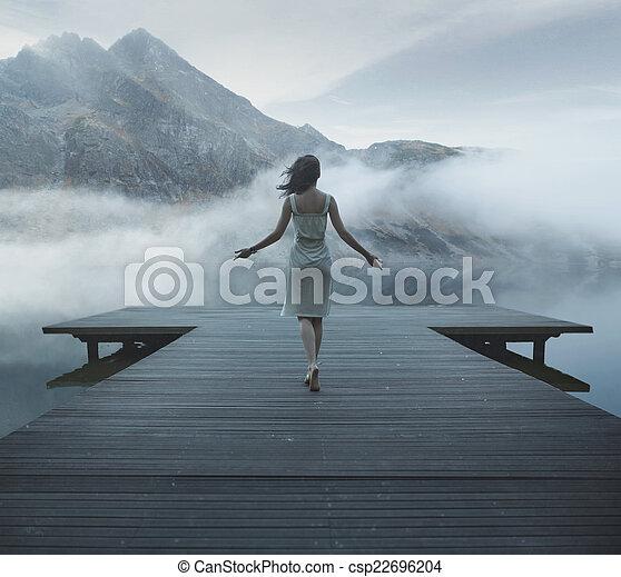 powabny, drewniany, pieszy, kobieta, molo - csp22696204
