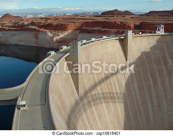 Powell Lake -Glen Canyon Dam - csp10618401