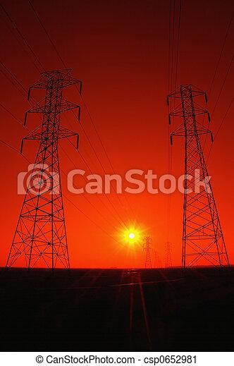Powerlines al atardecer - csp0652981