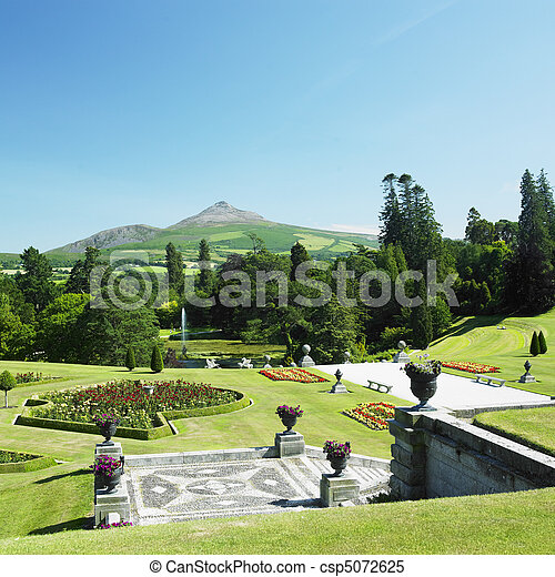 Powerscourt gardens, sugar loaf mountain at the background,... stock ...