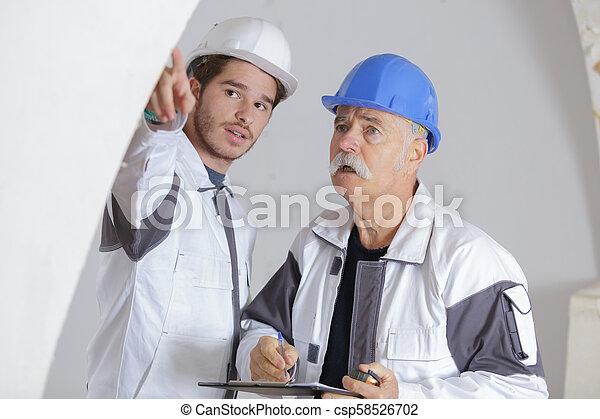 pracownicy, umieszczenie zbudowania, dwa - csp58526702