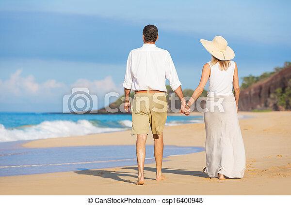 praia, andar, par, romanticos - csp16400948